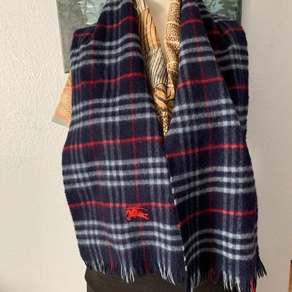 Burberry's scarf 120 cm🍀🌹🍀🌹🍀